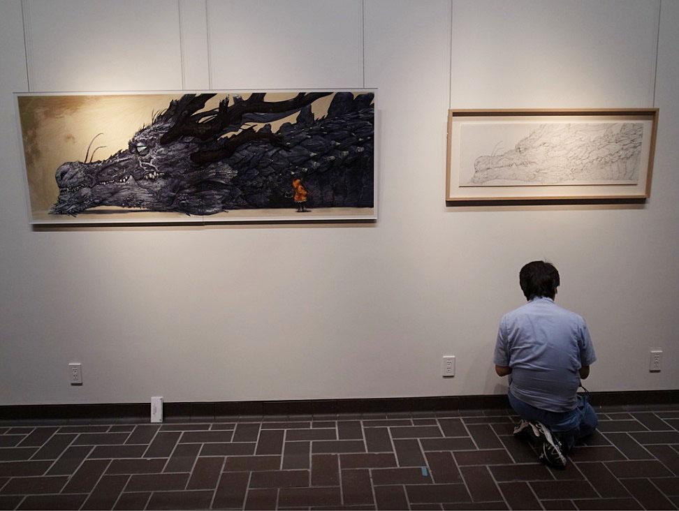 猫とドラゴン展の寺田克也さんの絵の展示風景